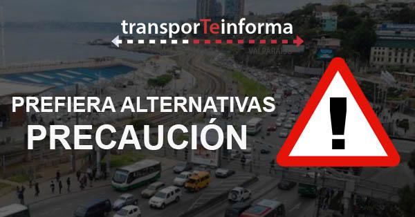 Corte de tránsito en Av. Pedro Montt entre Chacabuco y Uruguay por manifestación