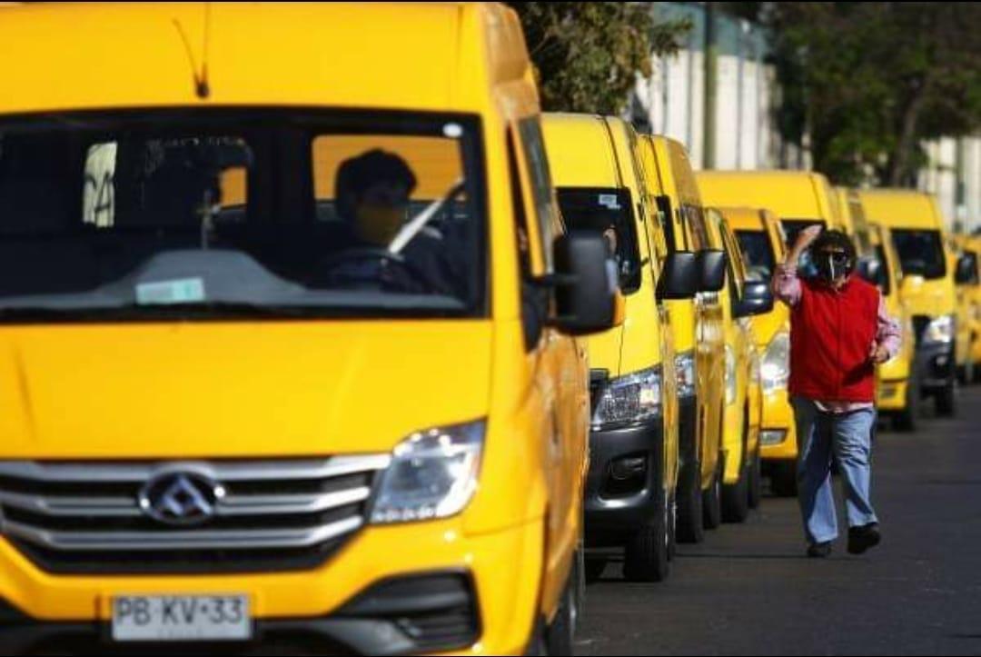 Por 3 meses se prorrogarán los permisos de circulación de taxis, transporte escolar y buses