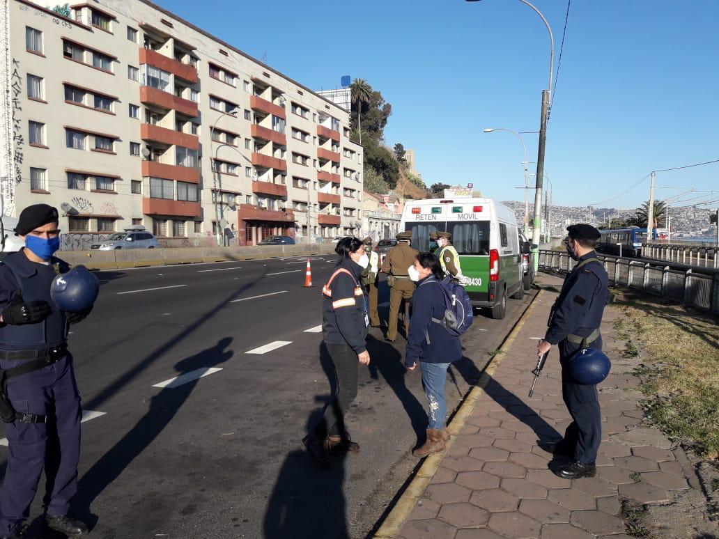 Se instalaron 2 controles sanitarios en Av. España
