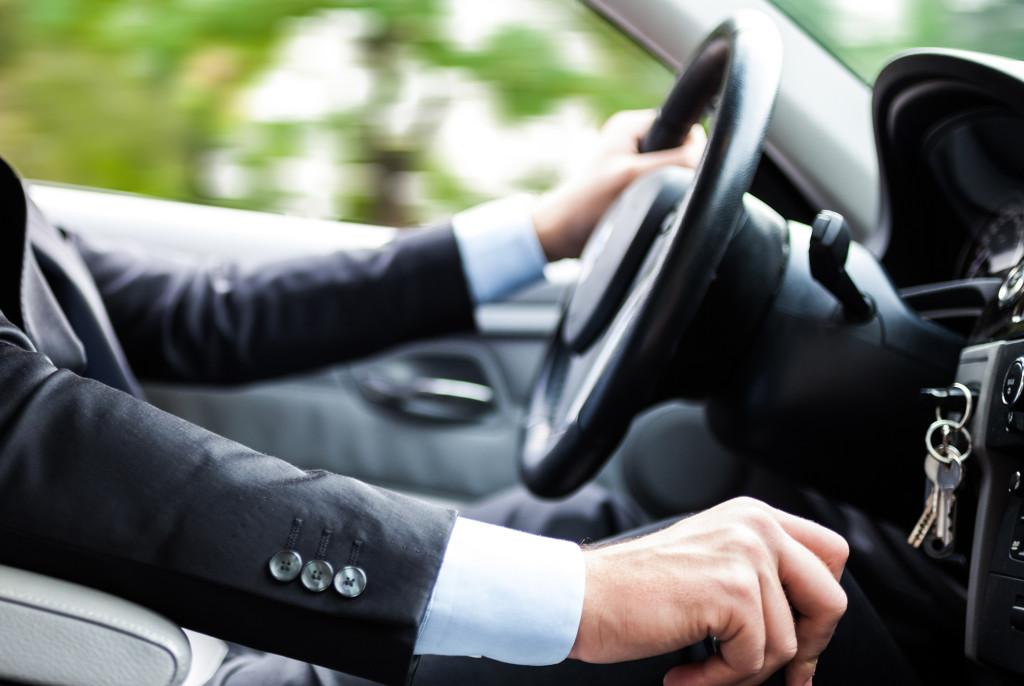 Ministerio de Transportes y Telecomunicaciones realizó modificación legal que permite a las escuelas de conductores profesionales capacitar de manera online para obtener licencia tipo «A»