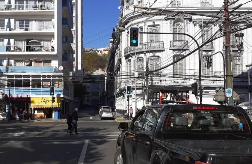 UOCT regional pone en marcha nuevo semáforo en Valparaíso