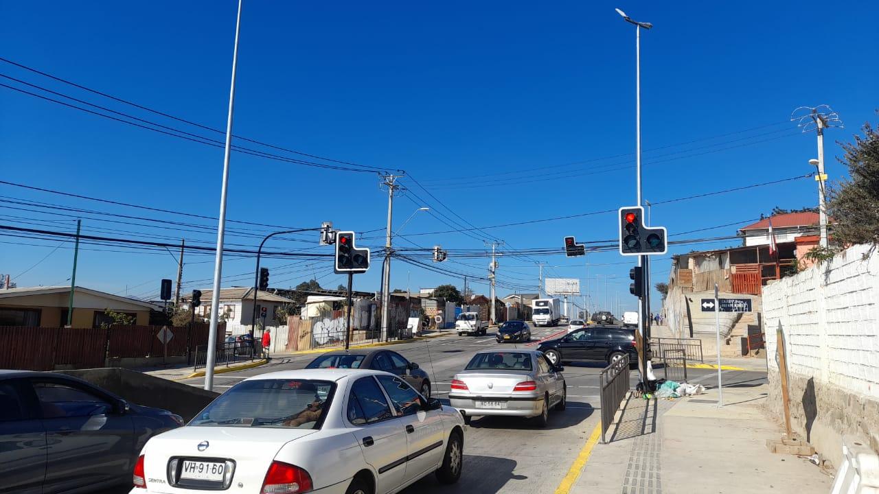 UOCT regional puso en marcha nuevo semáforo en la comuna de Quilpué