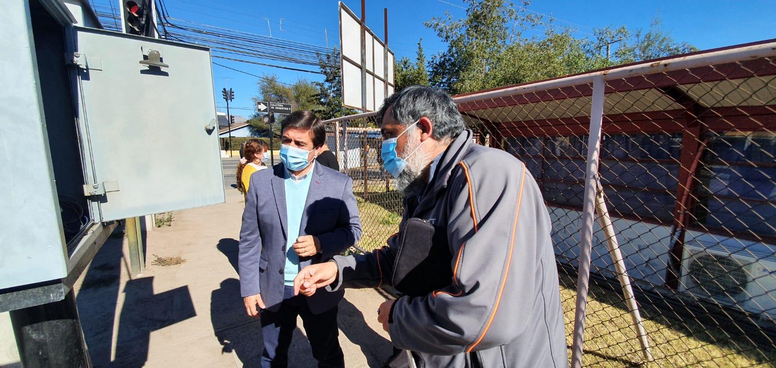 UOCT Valparaíso realizó ajustes en la programación del semáforo ubicado en la intersección de Av. Argentina con Av. España de Los Andes para dar más seguridad a los peatones