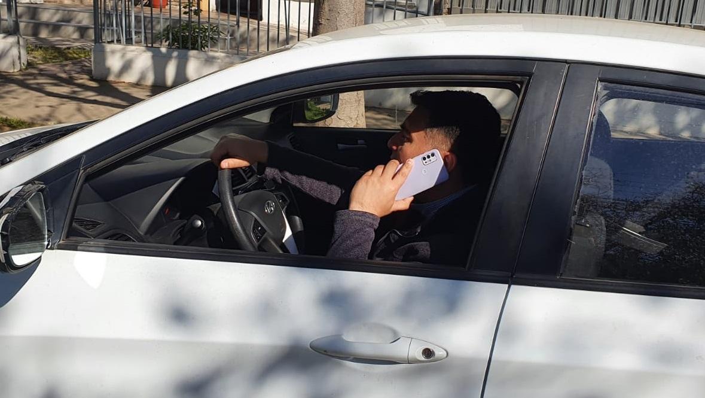 Congreso despacha proyecto que aumenta sanciones a conductores que usan celular mientras manejan y queda listo para ser ley